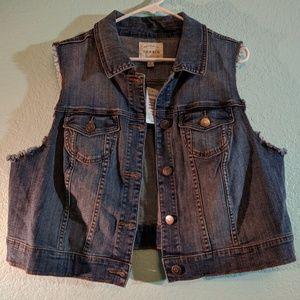 NWT Torrid sleeveless jean jacket